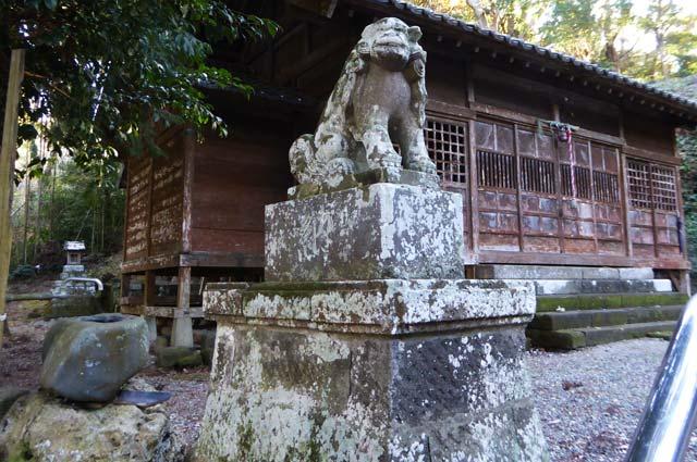 熱田神社の狛犬(左)の画像