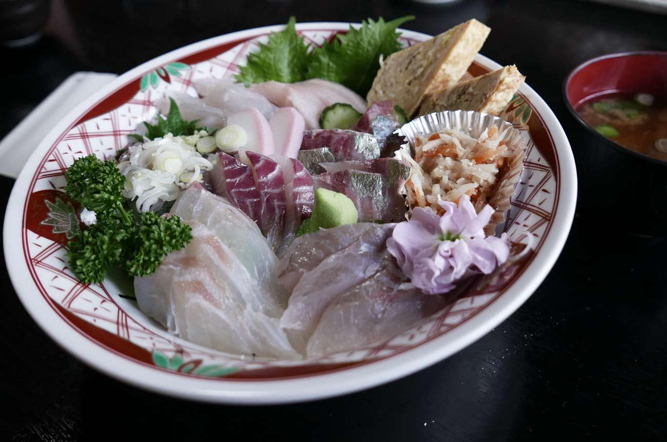 地魚八寸海鮮丼の画像