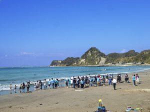 岩井海岸の地引網体験と海鮮バーベキュー
