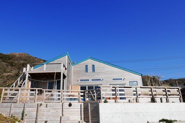根本海水浴場から見たビーチライフ倶楽部の画像