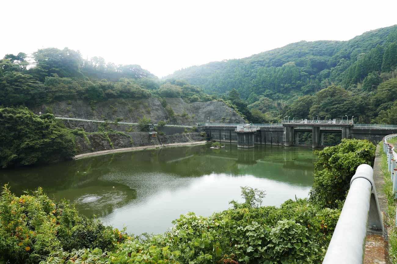 小向ダム上流からの画像