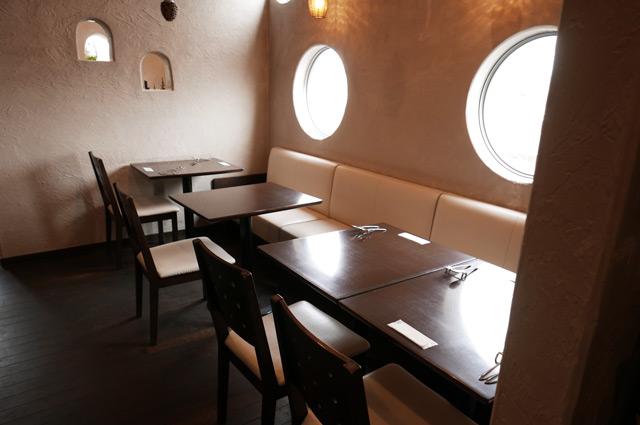 オルトのテーブル席2の画像