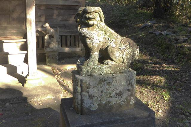 高皇産霊神社の狛犬(右)の画像