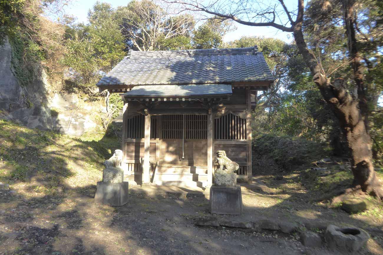 高皇産霊神社の拝殿の画像