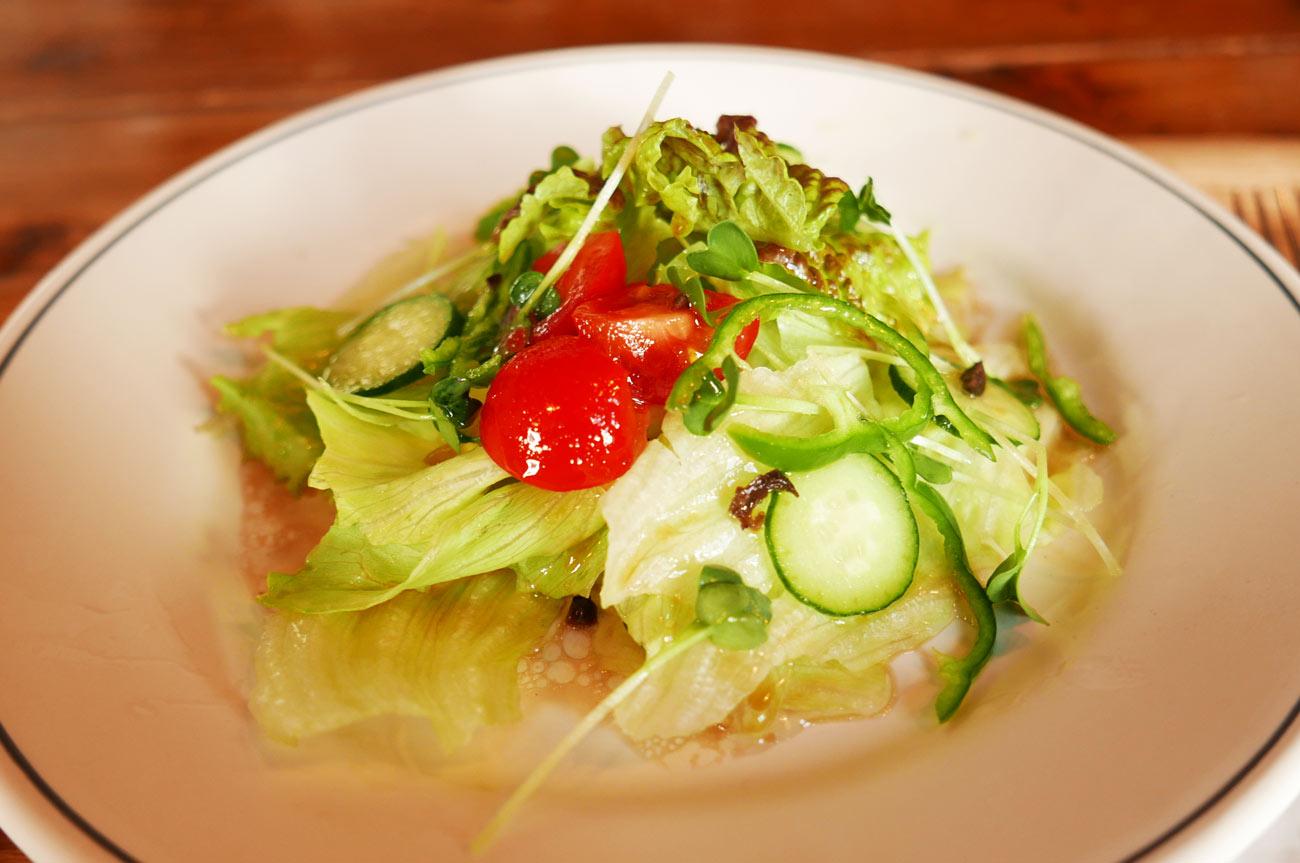 ランチセットのサラダの画像