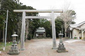 八坂神社境内と拝殿の画像