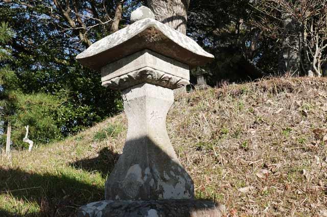 八坂神社の石灯篭(左)の画像