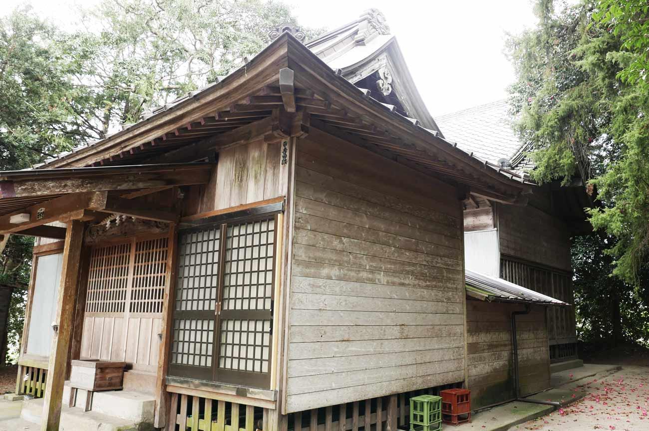 八坂神社拝殿と本殿の画像