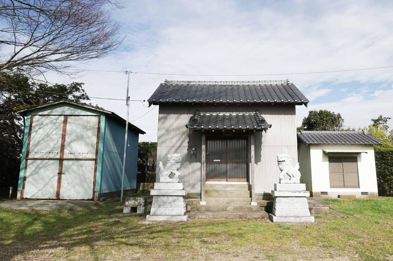 本織神社拝殿の画像