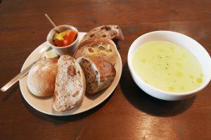 オルネカフェのスープセットの画像