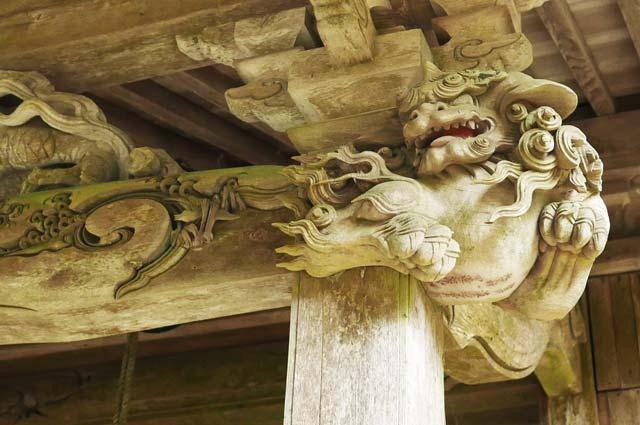 後藤義光の木鼻(右)の彫刻