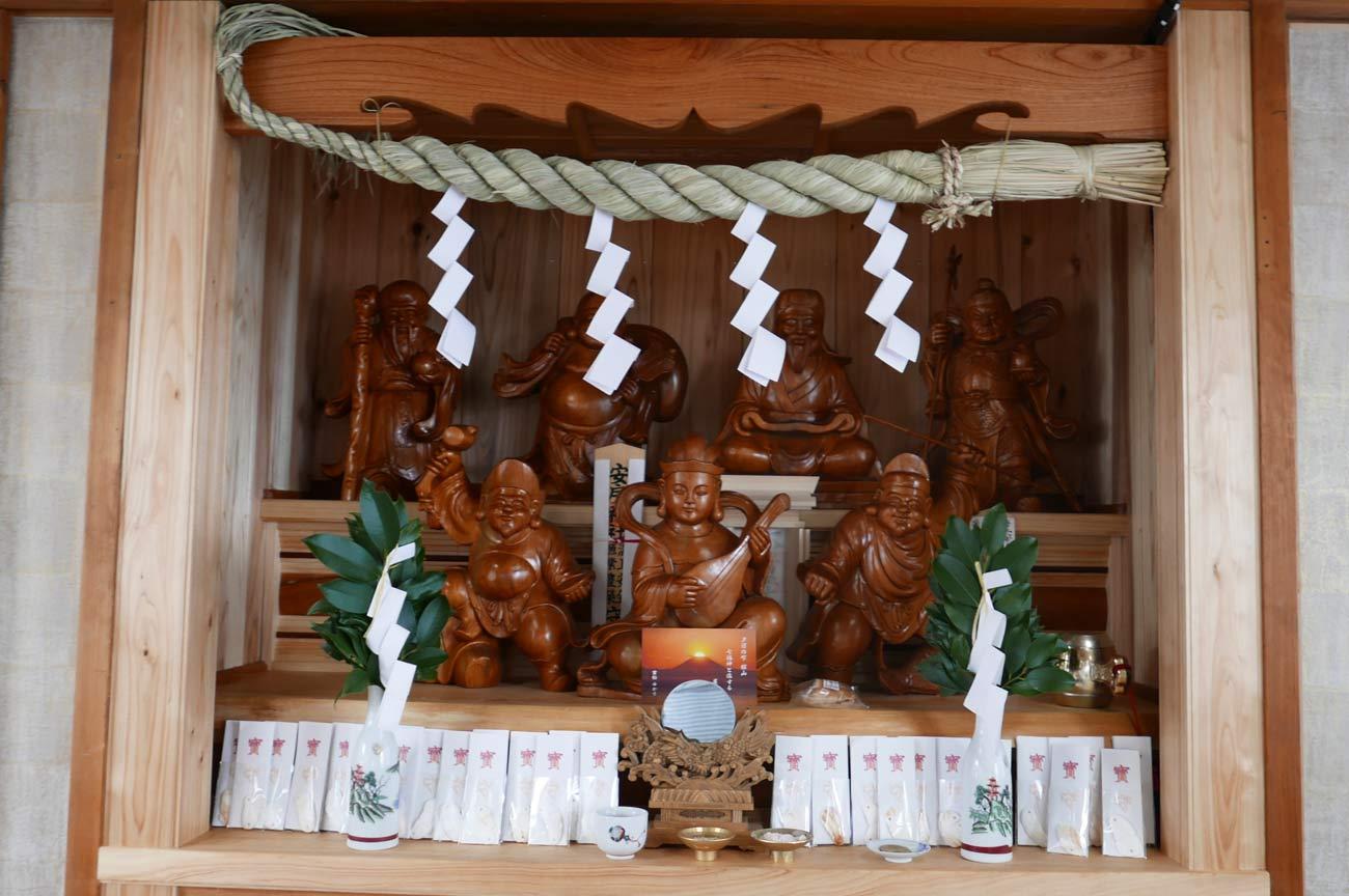 船内の七福神画像