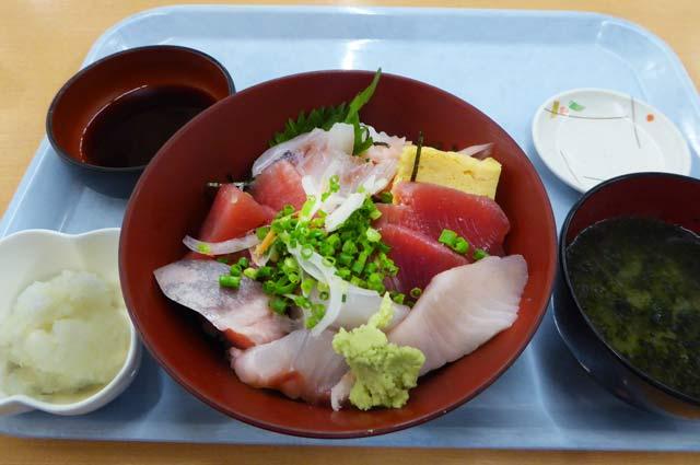 おろし海鮮丼の画像