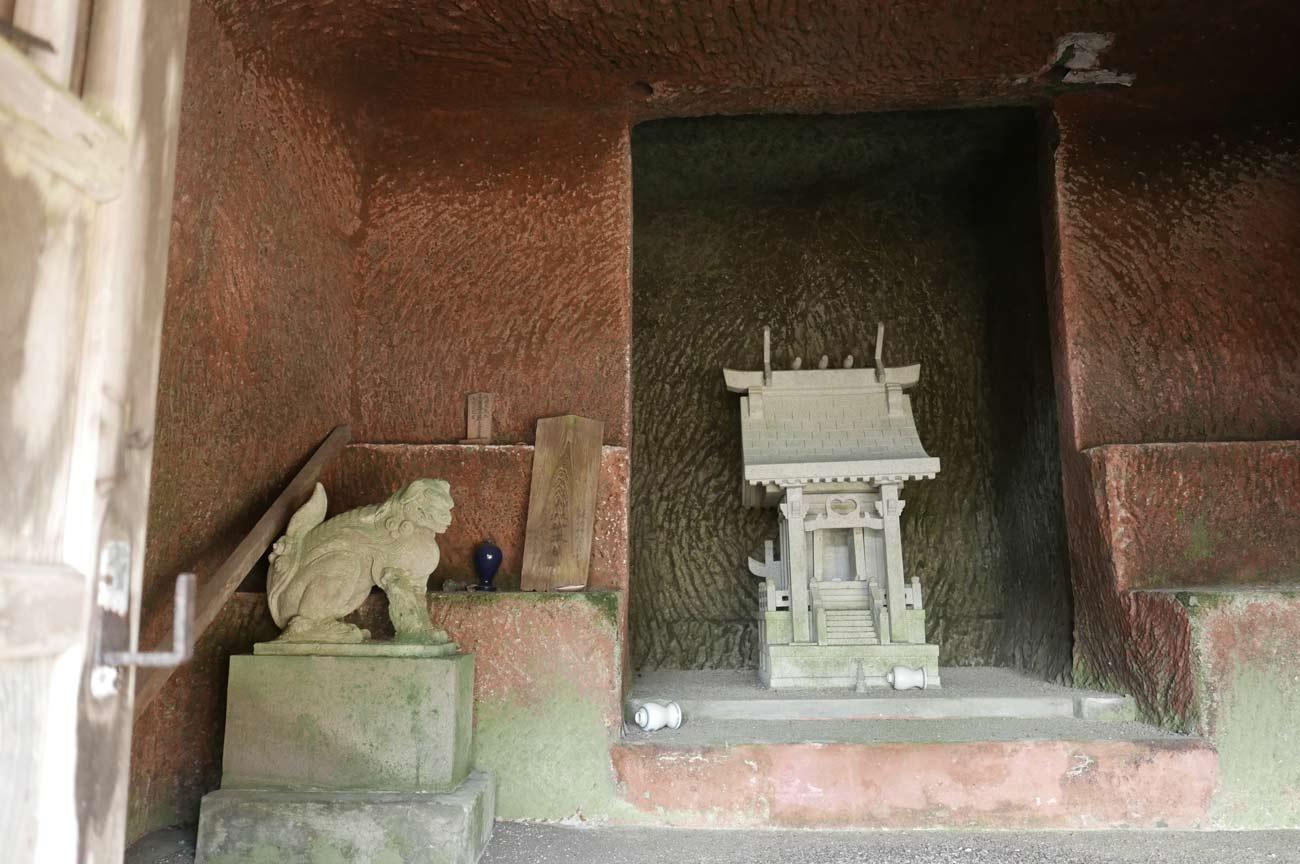 拝殿内部の画像