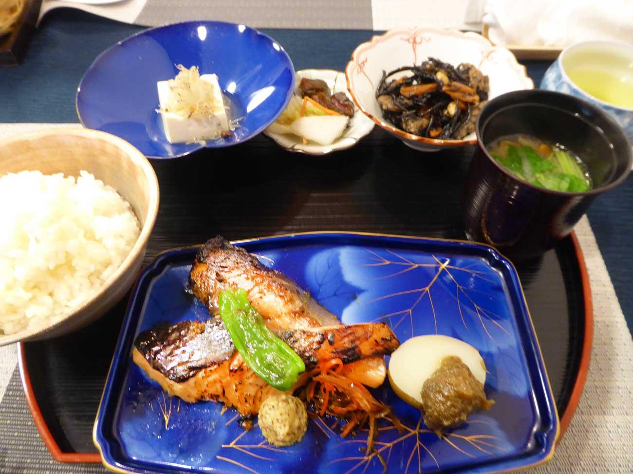 焼き魚定食の画像