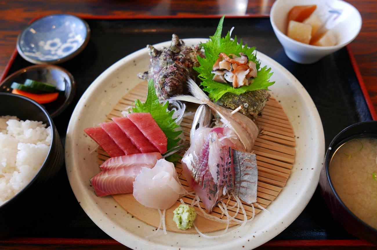 京やの刺身定食五点盛りの画像