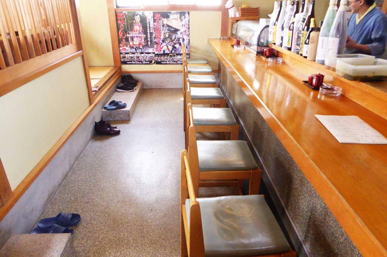 割烹太田和のカウンター席の画像