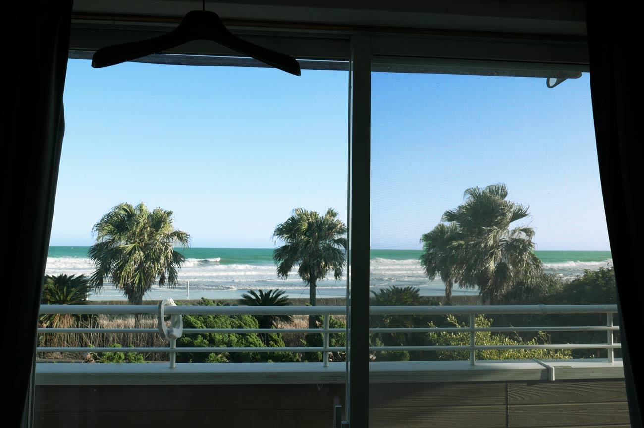 宿泊施設から見た海岸