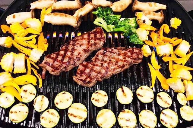肉と野菜のBBQ