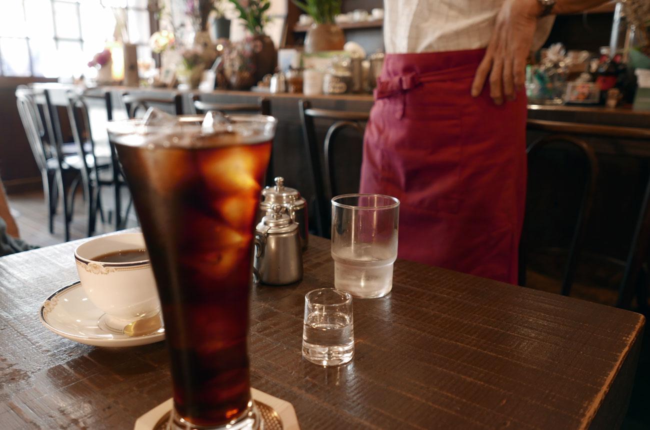 館山駅前の茶房はたやま アイスコーヒーとブレンドコーヒー