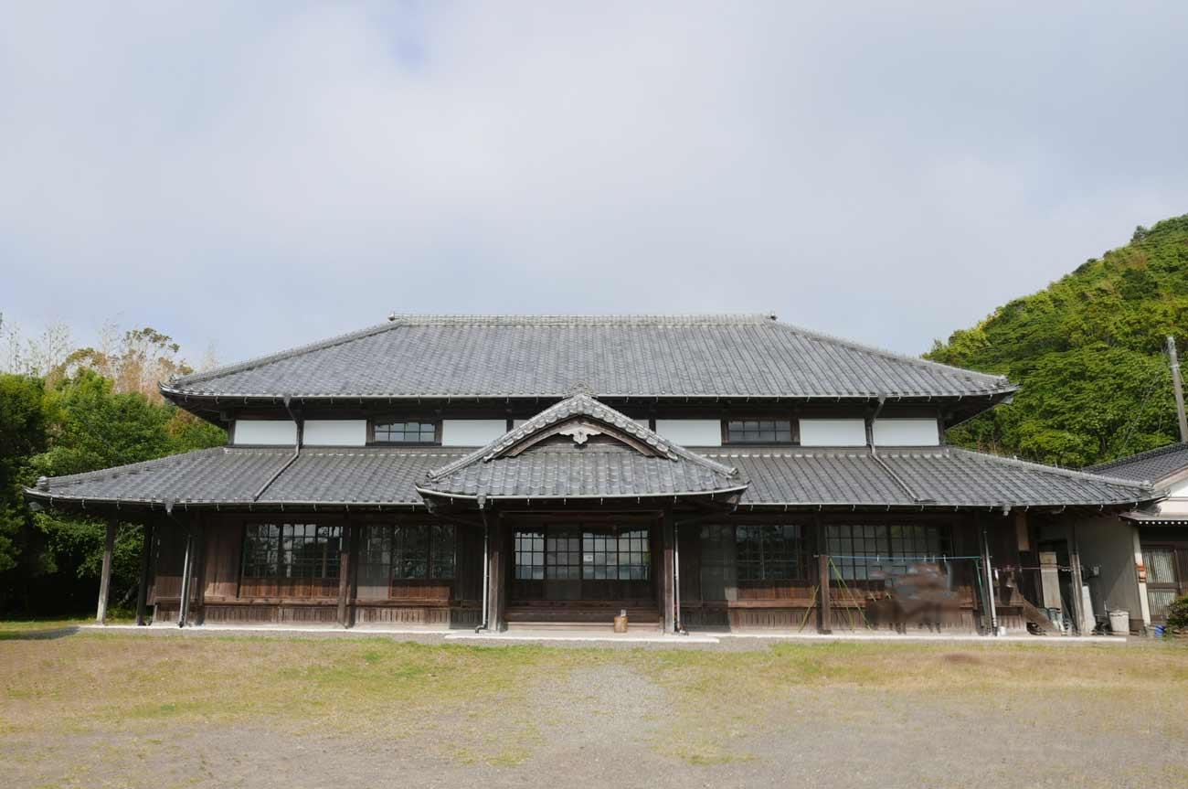 和泉公会堂の全景画像