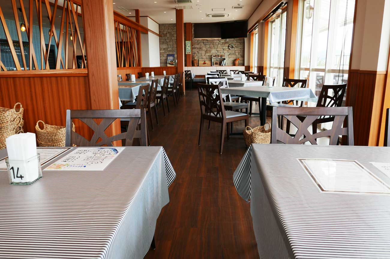 オーシャンゲート103のテーブル席の画像