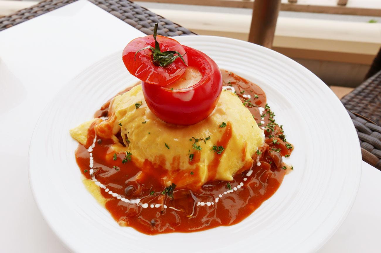 丸ごとトマトのオムライス