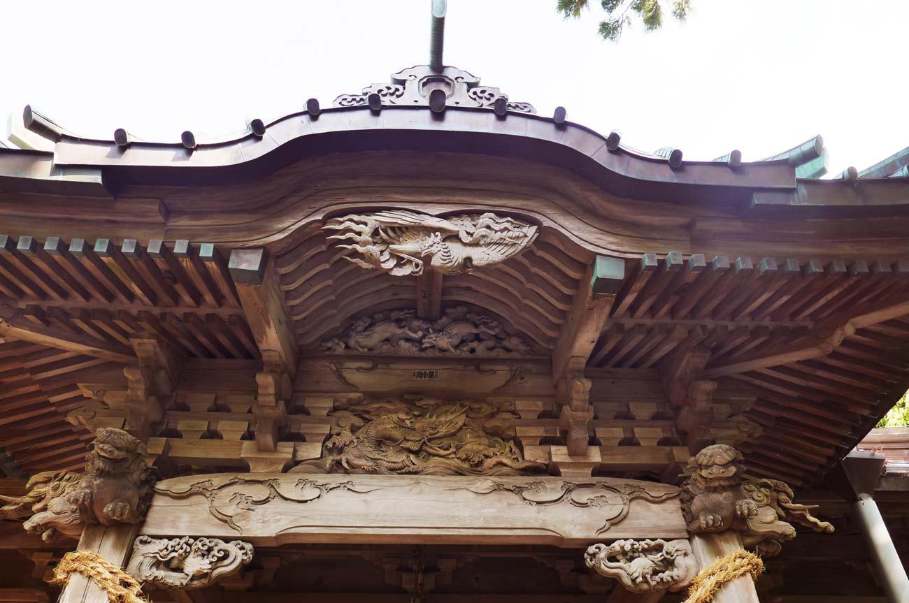 拝殿向拝の彫刻画像
