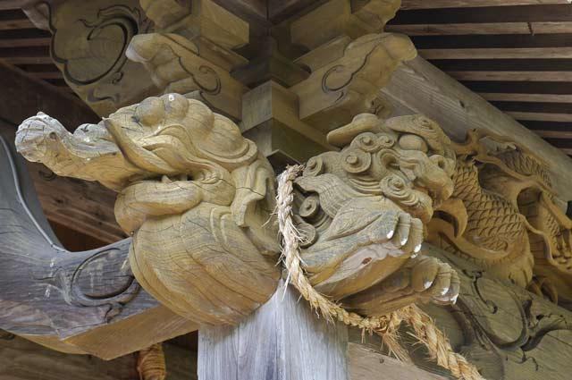 八雲神社木鼻(左)の画像