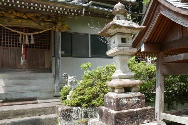八雲神社常夜灯(右)の画像