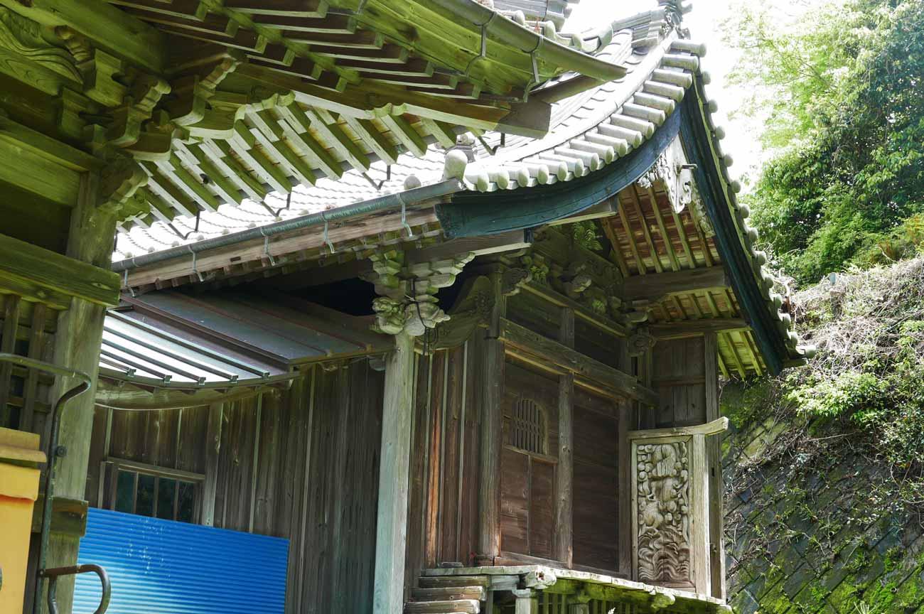 本殿右側の画像