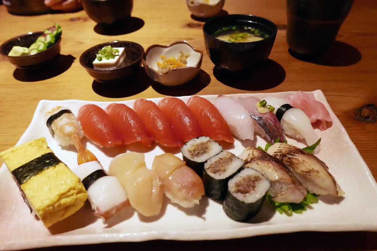 江戸銀の寿司定食1.5人前の画像