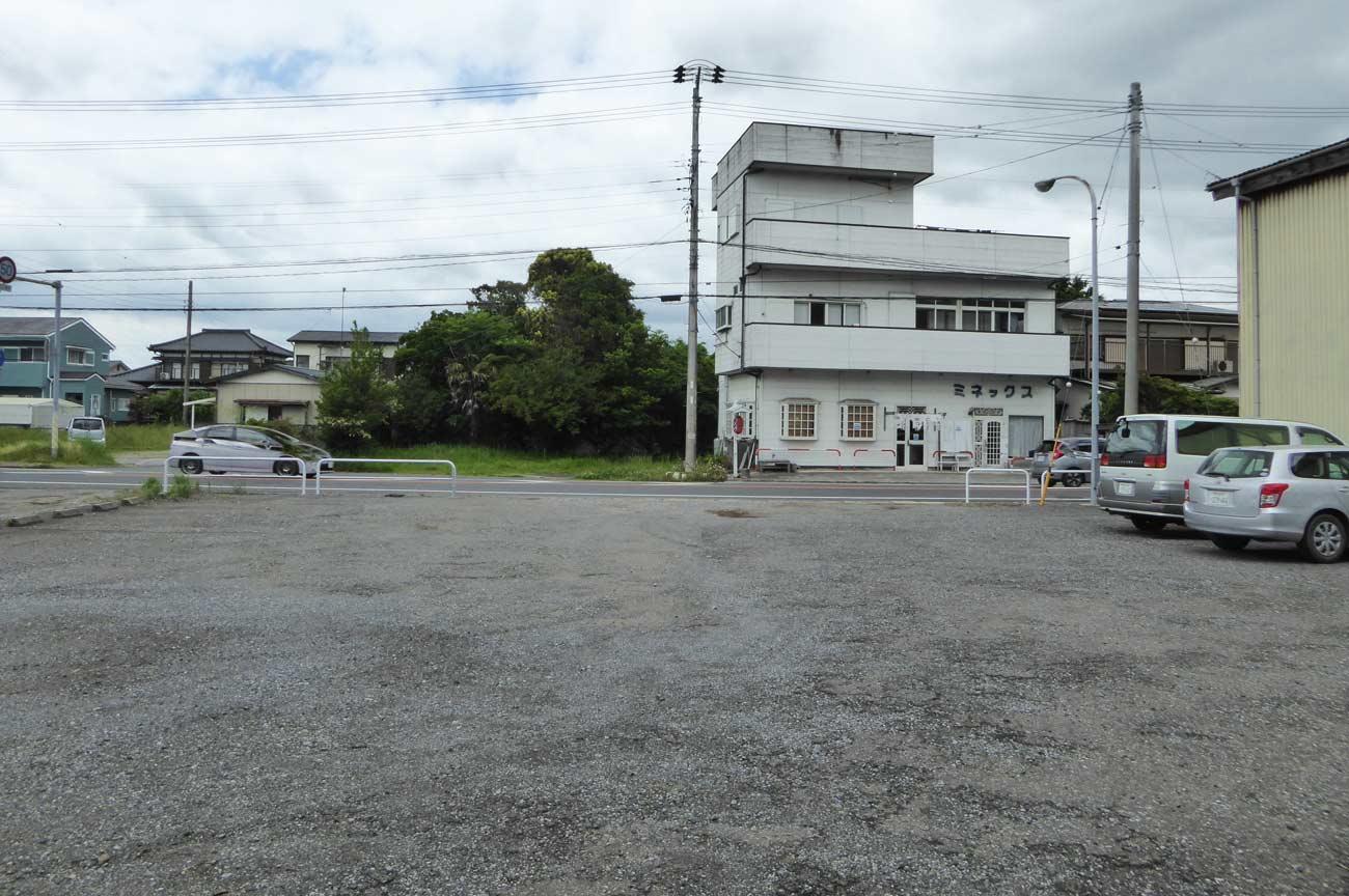 自性院の駐車場の画像