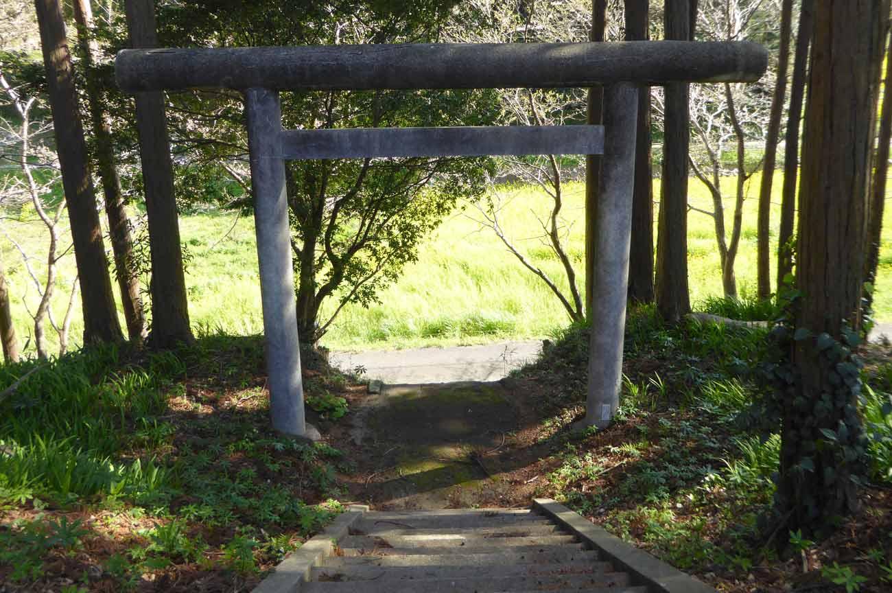 西原神社の鳥居の画像