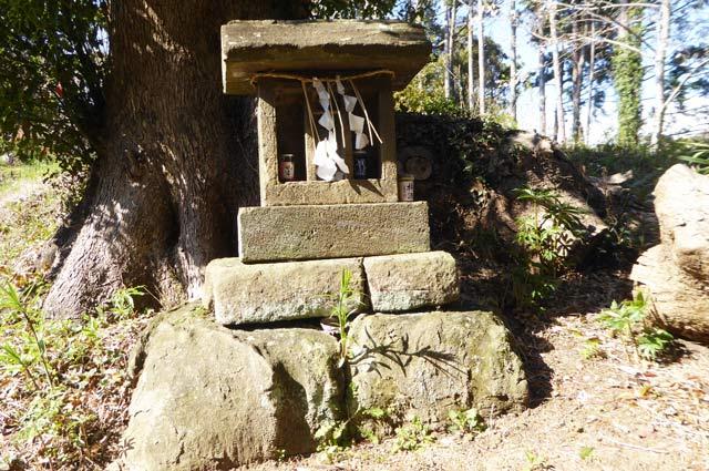 西原神社の石宮
