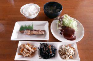 オラーガの肉・魚ダブル定食