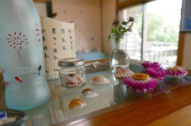 金魚と花火のガラス瓶
