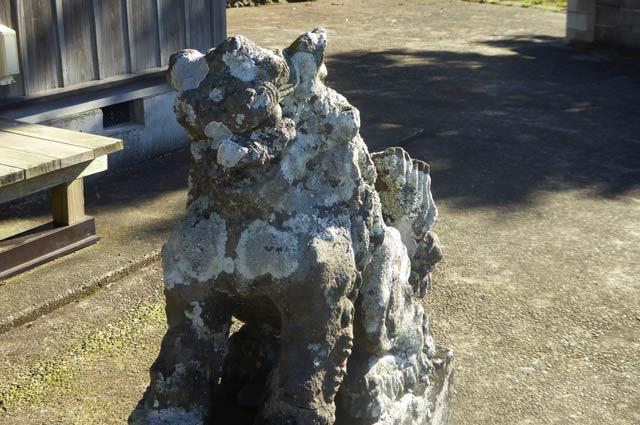 香指神社の狛犬(右)の画像