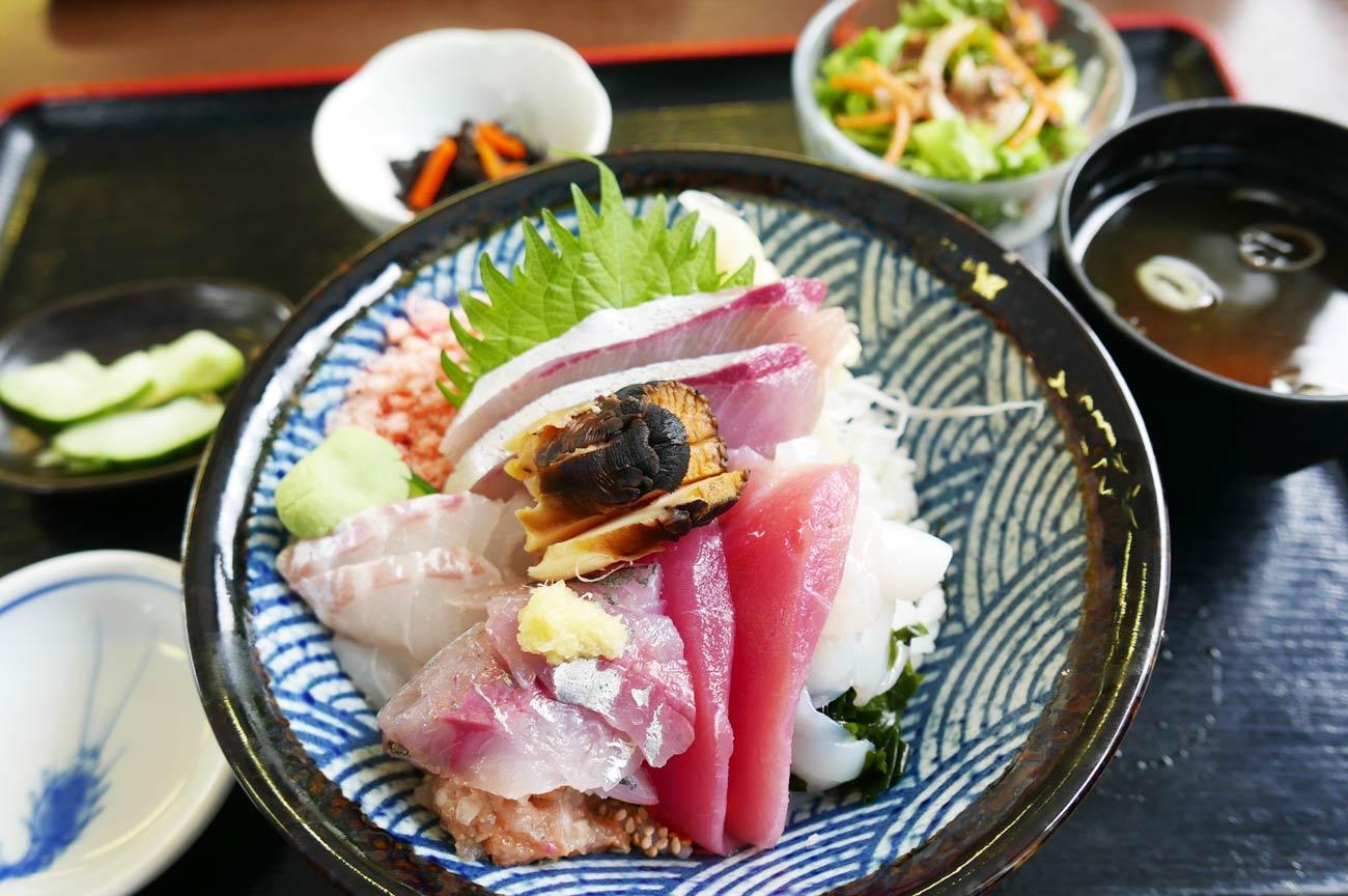 海鮮なぶら丼の画像