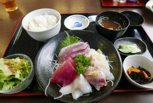 なぶら【勝山漁協直営の地魚食堂】