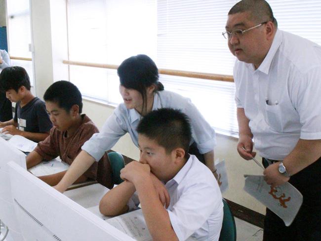 館山総合高等学校プログラミング教室 情報処理部のお姉さんに教わる中学生2