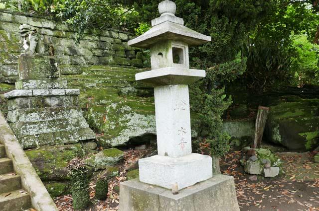石灯籠(右)の画像