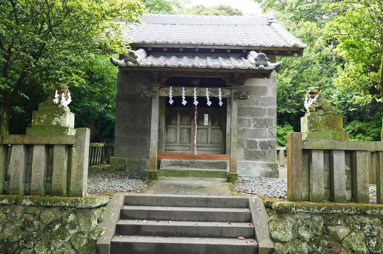 鷹之島弁天閣の拝殿