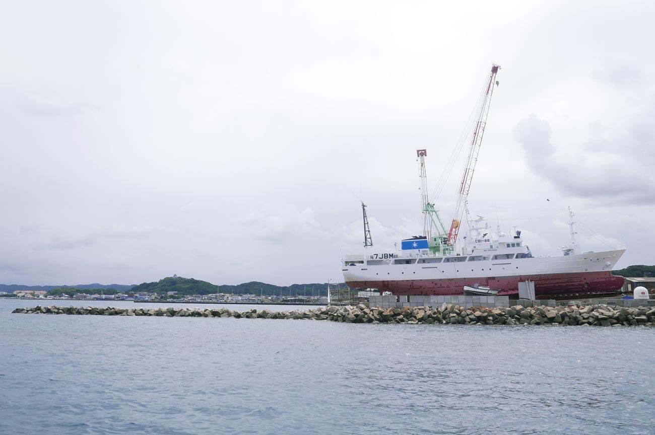 鷹之島の造船所