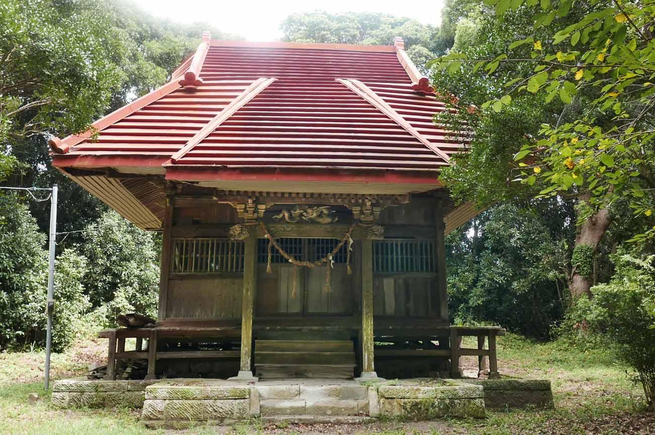 諏訪神社拝殿(正面より撮影)