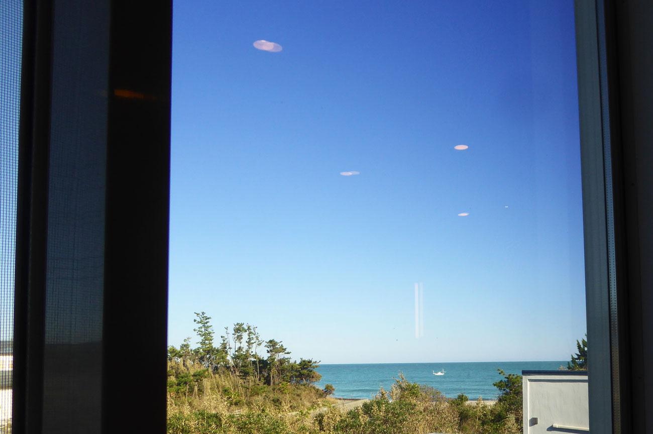 2Fアトリエから見た海