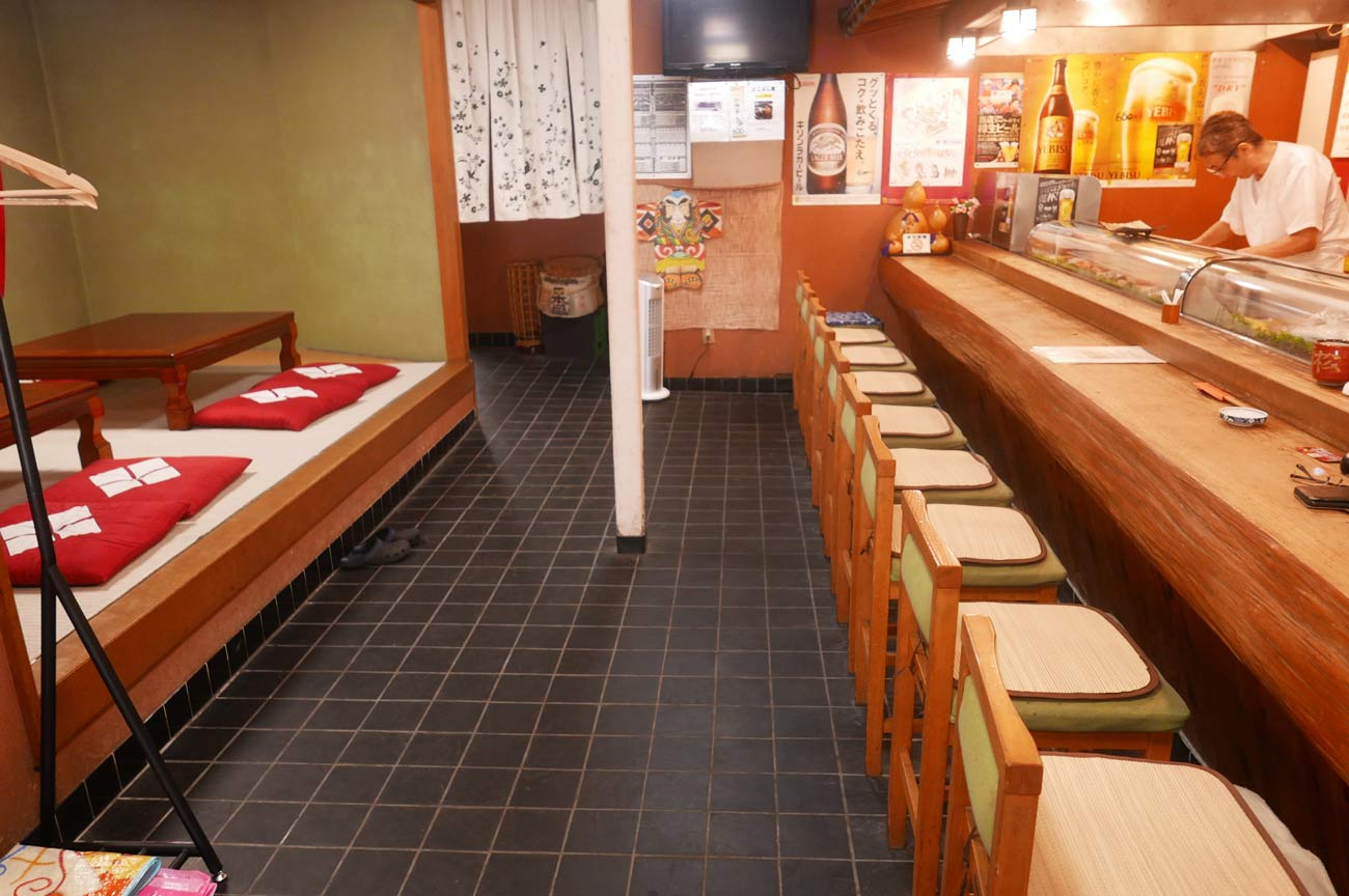 らかん寿司松月のカウンター