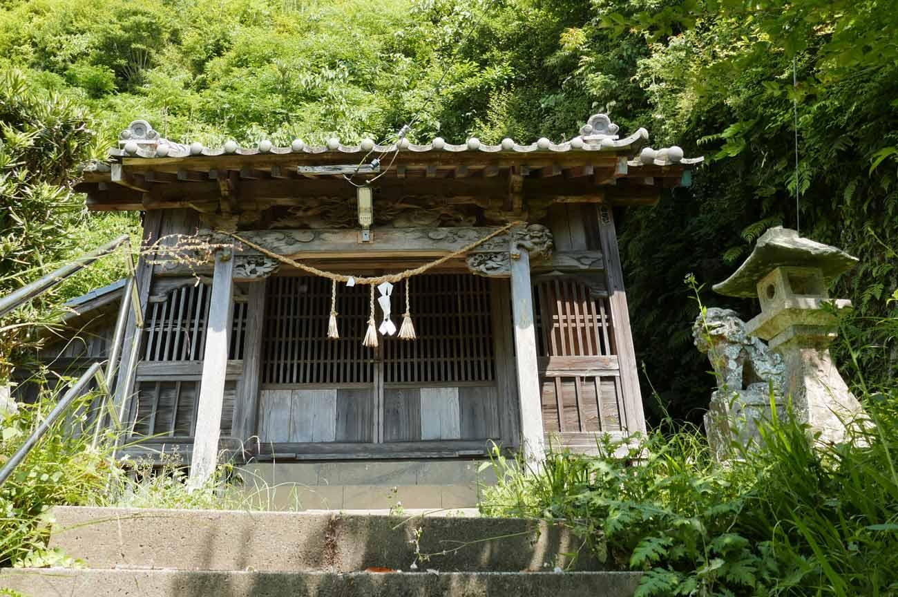 白幡神社の拝殿
