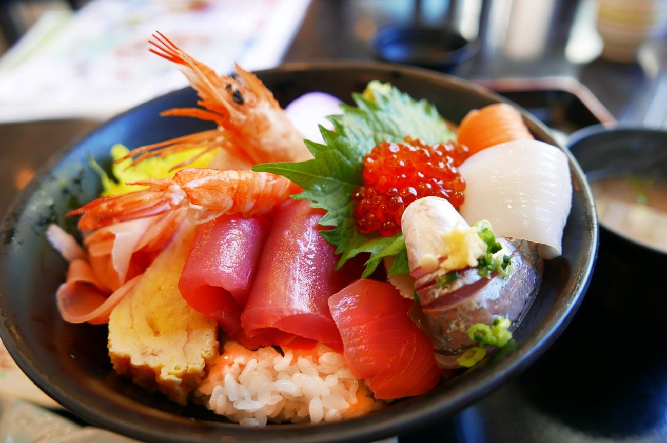 磯の香亭の海鮮丼の画像