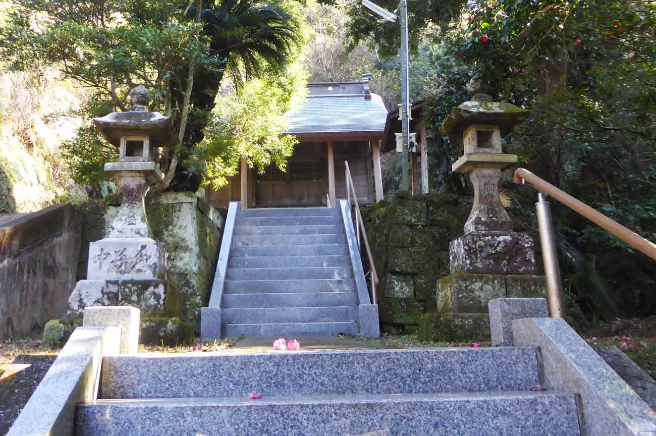 十二所神社の参道